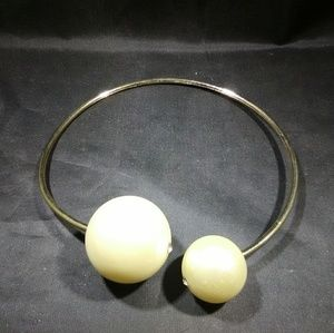 Costume Jewelry pearl necklace big modern style